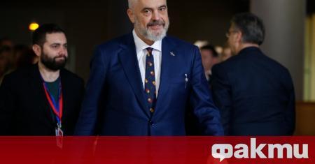 Премиерът на Албания пристигна на изненадваща визитиа в Косово, съобщи