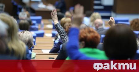 Депутатите единодушно и без дебати приеха окончателно промените в Закона