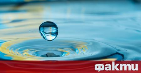 Изстудената вода е две течности в едно. До този извод