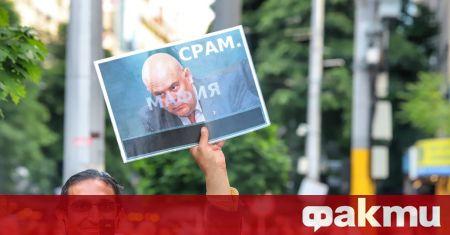 """С обявяването на листите на коалиция """"Демократична България"""" стана ясно,"""