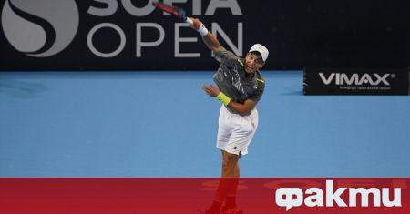 Адриан Андреев отпадна в първия кръг на турнира по тенис