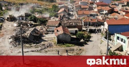 Вчера бяха премахнати 97 незаконни ромски постройки в Стара Загора.