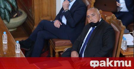 Парламентът гласува решение, с което задължава премиера в оставка Бойко