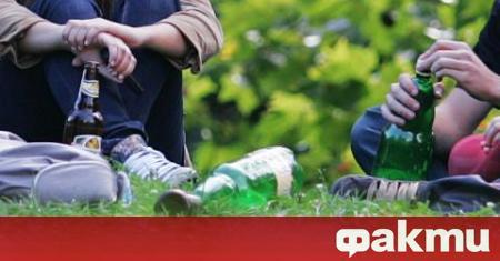 Седмокласник се напи, докато е на сватба с родителите си.