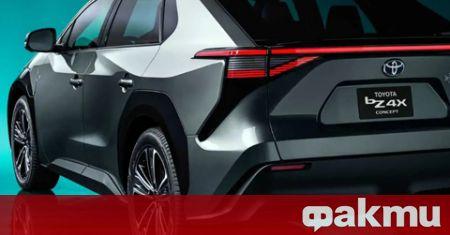 Големите японски компании Toyota и Panasonic обявиха, че ще намалят