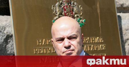 България е на път за третите си парламентарни избори от