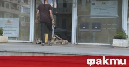 В Стара Загора протестиращите се заканиха да издигнат грамада от