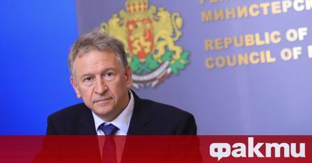 Здравният министър д-р Стойчо Кацаров предлага удължаване на извънредната епидемична