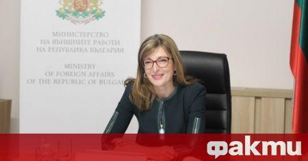 Вицепремиерът и министър на външните работи Екатерина Захариева, която е