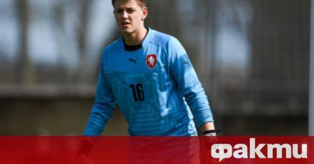 Манчестър Юнайтед привлече 16-годишния чешки вратар Радек Витек от състава