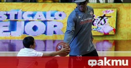 Петкратният шампион от НБА с Детройт и Чикаго Денис Родман