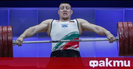 Българският щангист Христо Христов бе порязан жестоко от съдиите на