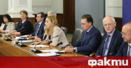 Националният съвет за тристранно сътрудничество (НСТС) проведе онлайн заседание, свикано