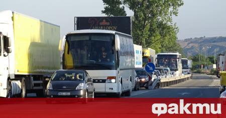 Днес отново стартират автобусните превози до Гърция и Сърбия, съобщи