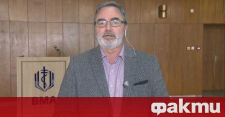 Главният държавен здравен инспектор д-р Ангел Кунчев остана без заплата.