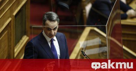 Гърция отваря моловете и търговските обекти от утре, съобщи Катимерини.