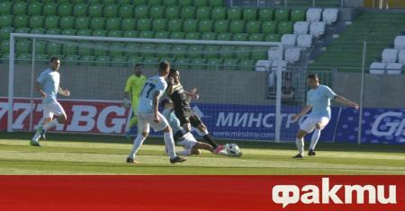 Футболистите на Дунав спират тренировките от сряда, ако не получат
