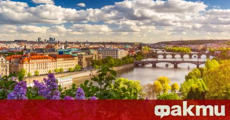 Прага забрани пушенето в паркове, градини, гори и божии места.