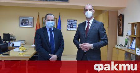 Посланикът ни в Република Северна Македония Ангел Ангелов предостави на