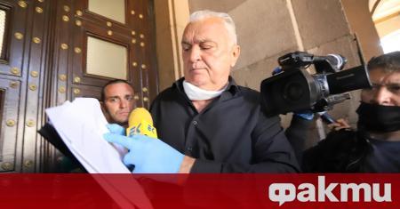 Журналистът Сашо Диков, който беше натоварен със задачата да предостави