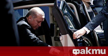 Турският президент Ердоган е подложен на остри критики, след като
