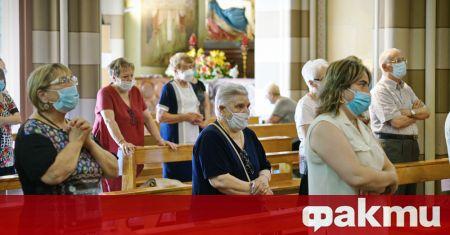 Наказания за духовници, които призовават вярващите да не се ваксинират,