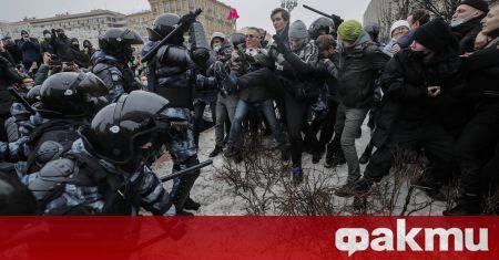 Полицията задържа над 1000 души в цяла Русия в събота