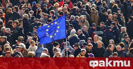 ЕС засега няма необходимите възможности да се бори с дезинформационни