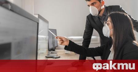 """Компютърната клавиатура е """"най-опасният"""" предмет в офиса: непочистените бутони могат"""