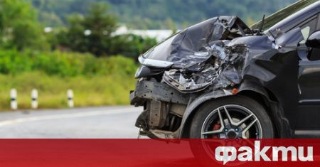Тежка катастрофа затвори пътя Русе-Бяла, има загинал, съобщиха от полицията.