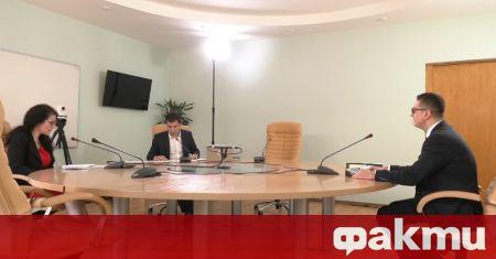 Министърът на икономиката Кирил Петков уволнява двама от тримата членове
