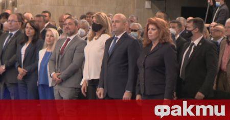 Румен Радев е олицетворение на президентската институция, каквото искаме да