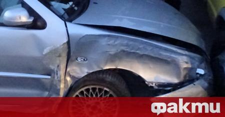 Пиян мъж се е забил с колата си в гараж