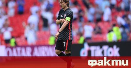 Лука Модрич игра много изнесен напред в мача срещу Англия