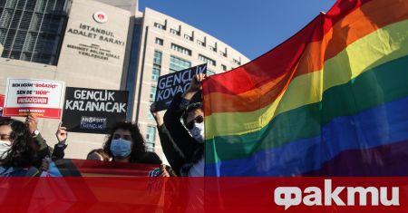 Протестите на студенти в Турция се разширяват, съобщи Гардиън. Демонстрациите
