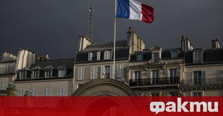 Френското правителство изготвя план за замяна на английския език с