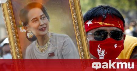 Увеличава се броят на убитите в Мианма, след като полицията