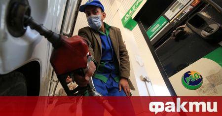 Доставките на бензин бяха затегнати още в някои части на