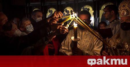 Милиони православни християни по света празнуват днес Възкресение Христово, в