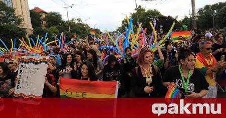 Мирно и без инциденти протича шествието на