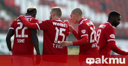 ЦСКА е фаворит да привлече нападателя Джорди Кайседо. В момента