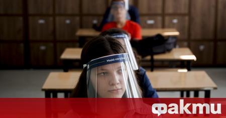 Кризисният щаб в Сърбия прие днес решение най-малките ученици да