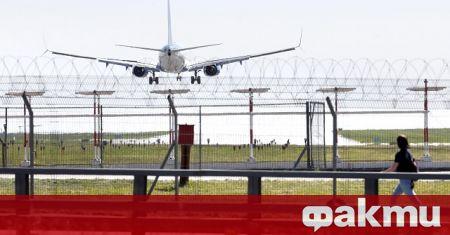 Русия възобновява авиовръзките на регулярна основа с редица страни, сред