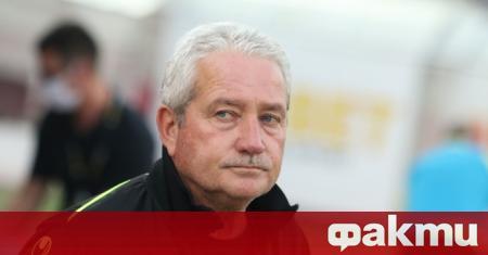 Ферарио Спасов вече не е старши треньор на Ботев (Пловдив).