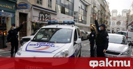 Свещеник е ранен във френския град Лион след стрелба от