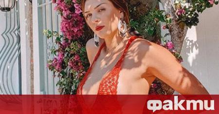 Бразилската националка Розамария Монтибелер разгорещи Инстаграм с последната си фотосесия.
