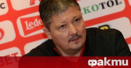 Треньорът на ЦСКА Любослав Пенев говори пред медиите преди утрешния