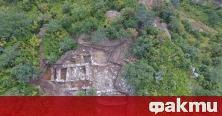 """Археологът Ивайло Кънев откри в калето на местността """"Балък дере"""""""