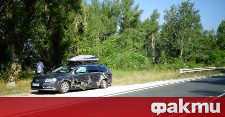 Лек автомобил с румънска регистрация е бил ударен от тежкотоварен