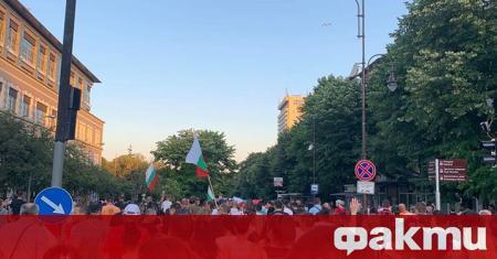 Освен в Триъгълника на властта в София, шествия и демонстрации